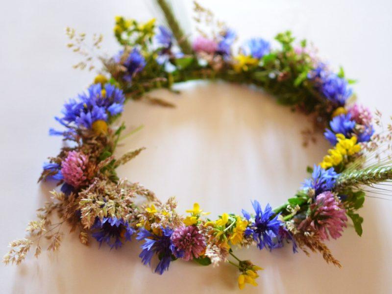 Jak zrobić wianek z kwiatów?