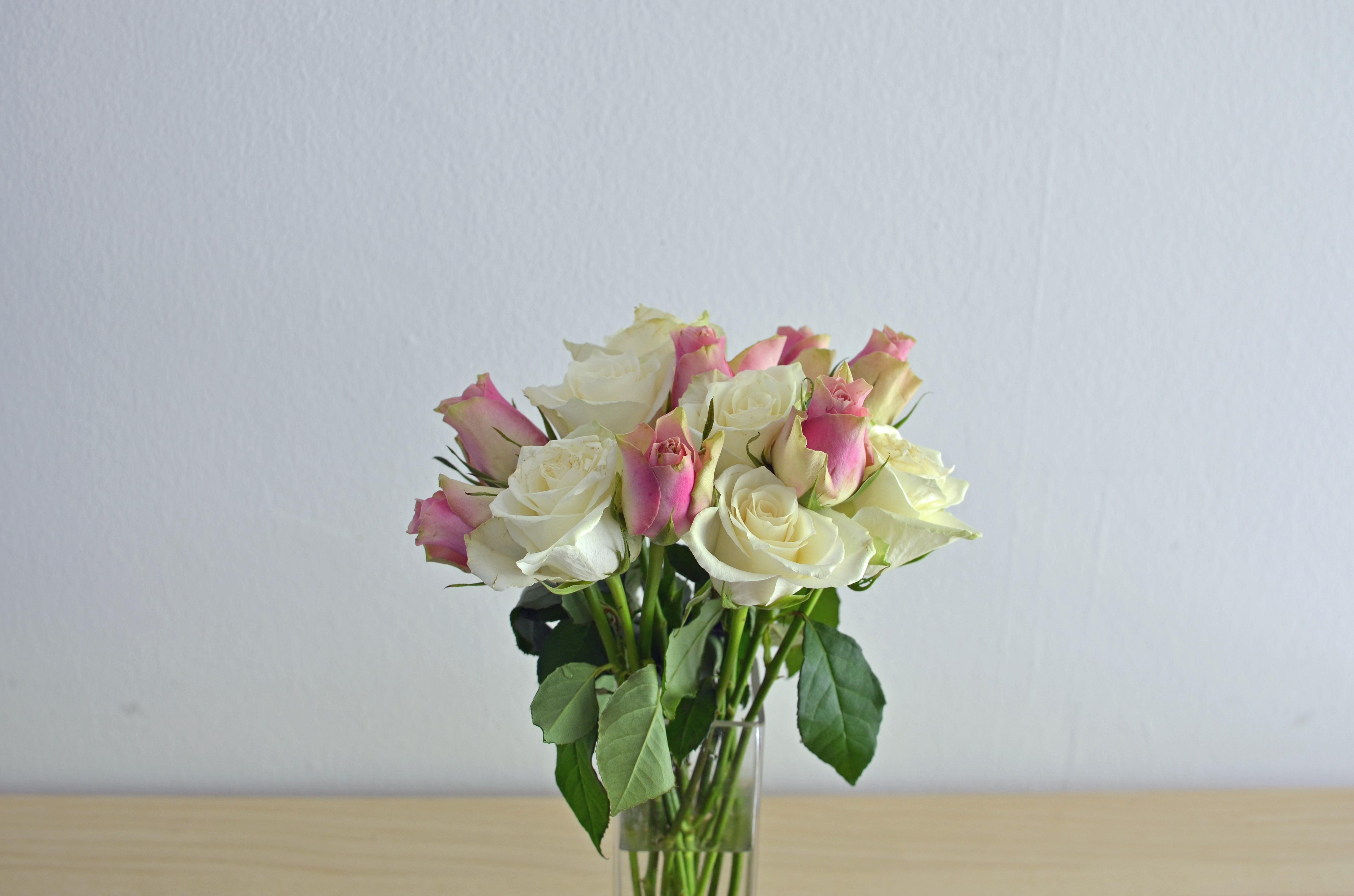 Jak układać kwiaty? Bukiet z róż