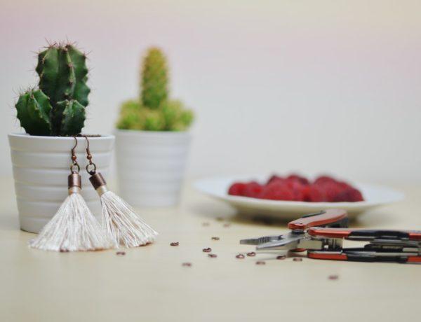 Jak zrobić kolczyki z frędzli? DIY