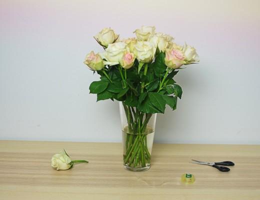 Jak ułożyć kwiaty w wazonie? Szybki i łatwy sposób