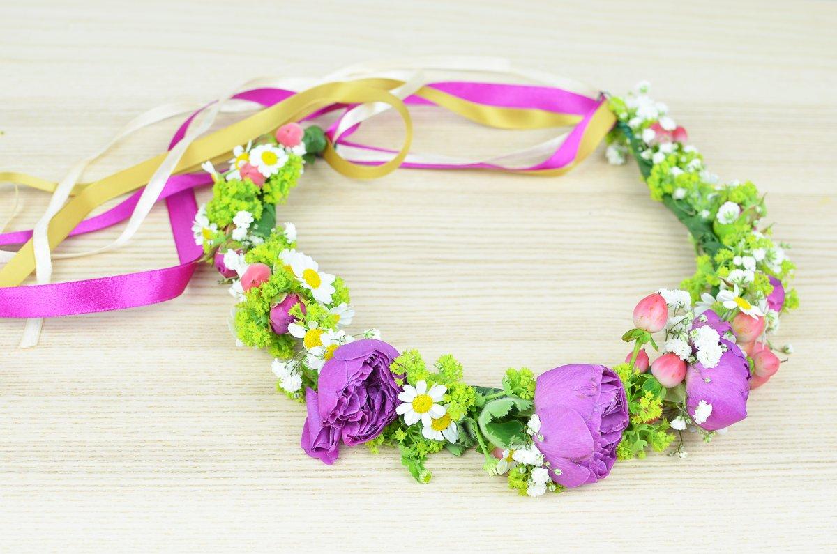 Wianek z kwiatów dla panny młodej