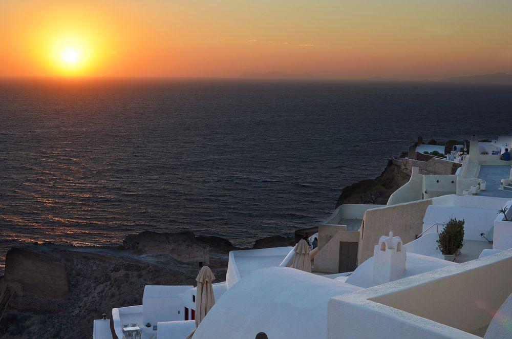 Oia - zachód słońca na Santorini