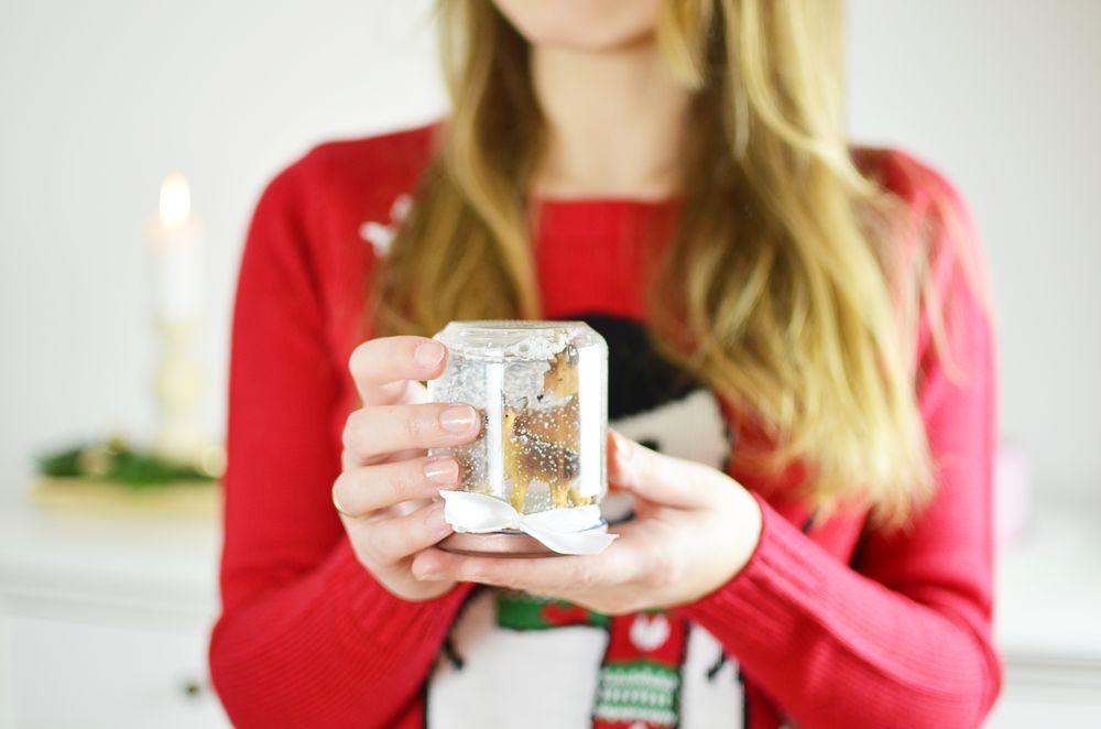 Dlaczego warto nosić brzydki świąteczny sweter?