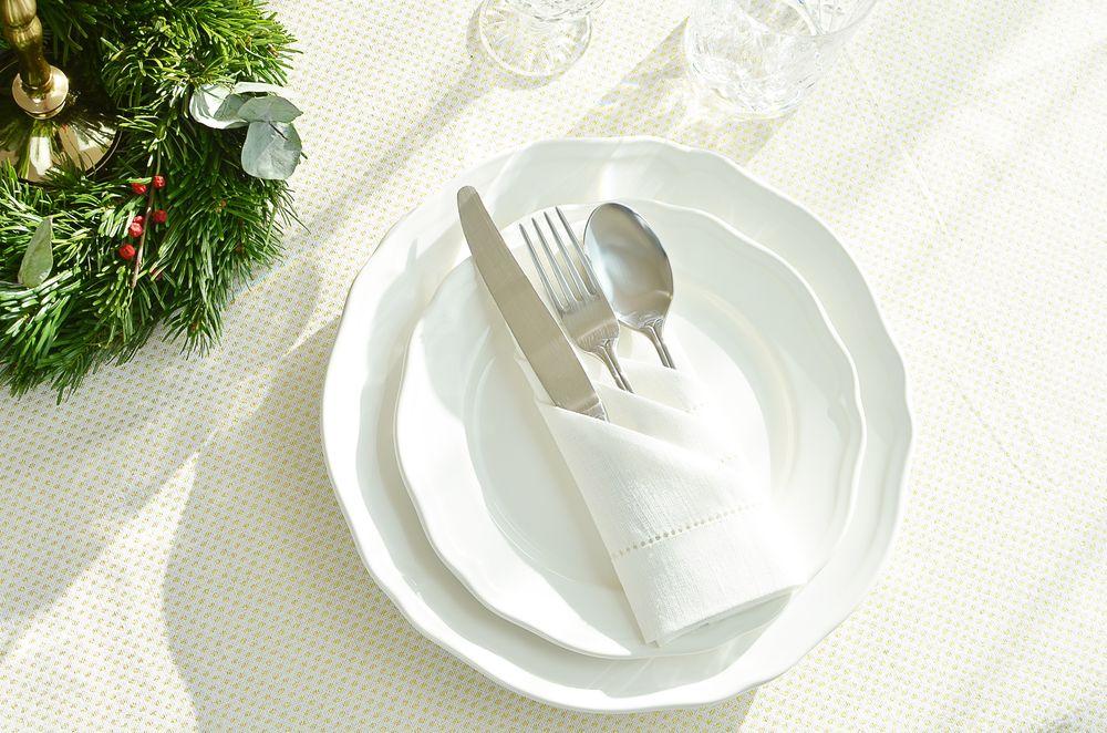 Jak złożyć serwetki na wigilijny stół? Kieszonka na sztućce | Polenka.pl