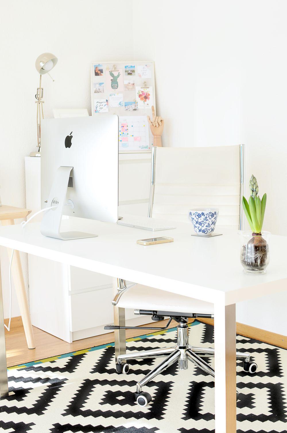 Duże biurko Ikea - biały blat, metalowe nogi