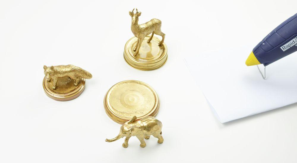 DIY: słoiki ze złotymi zwierzątkami - sposób wykonania | Polenka.pl