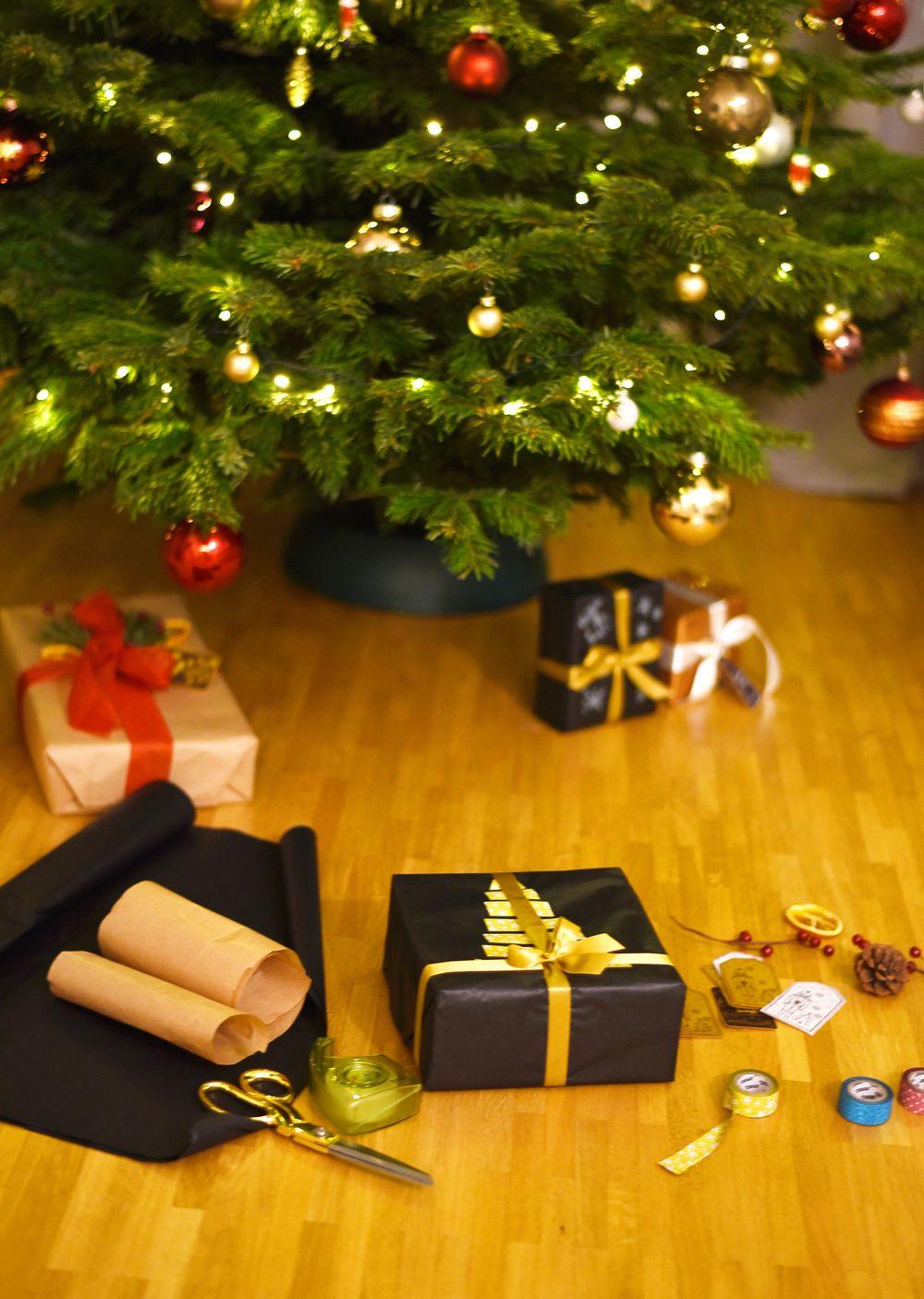 Kreatywne pakowanie prezentów pod choinkę