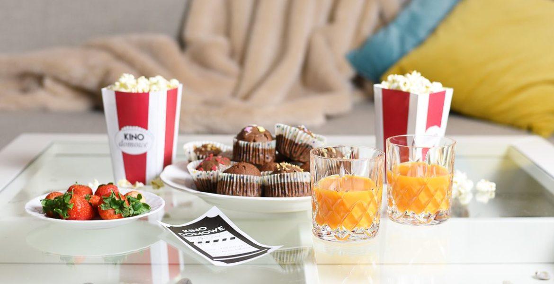 Wieczór filmowy w domu + pudełko na popcorn do druku
